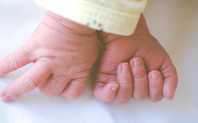 Cinco fotos imprescindibles de los primeros días de tu bebé