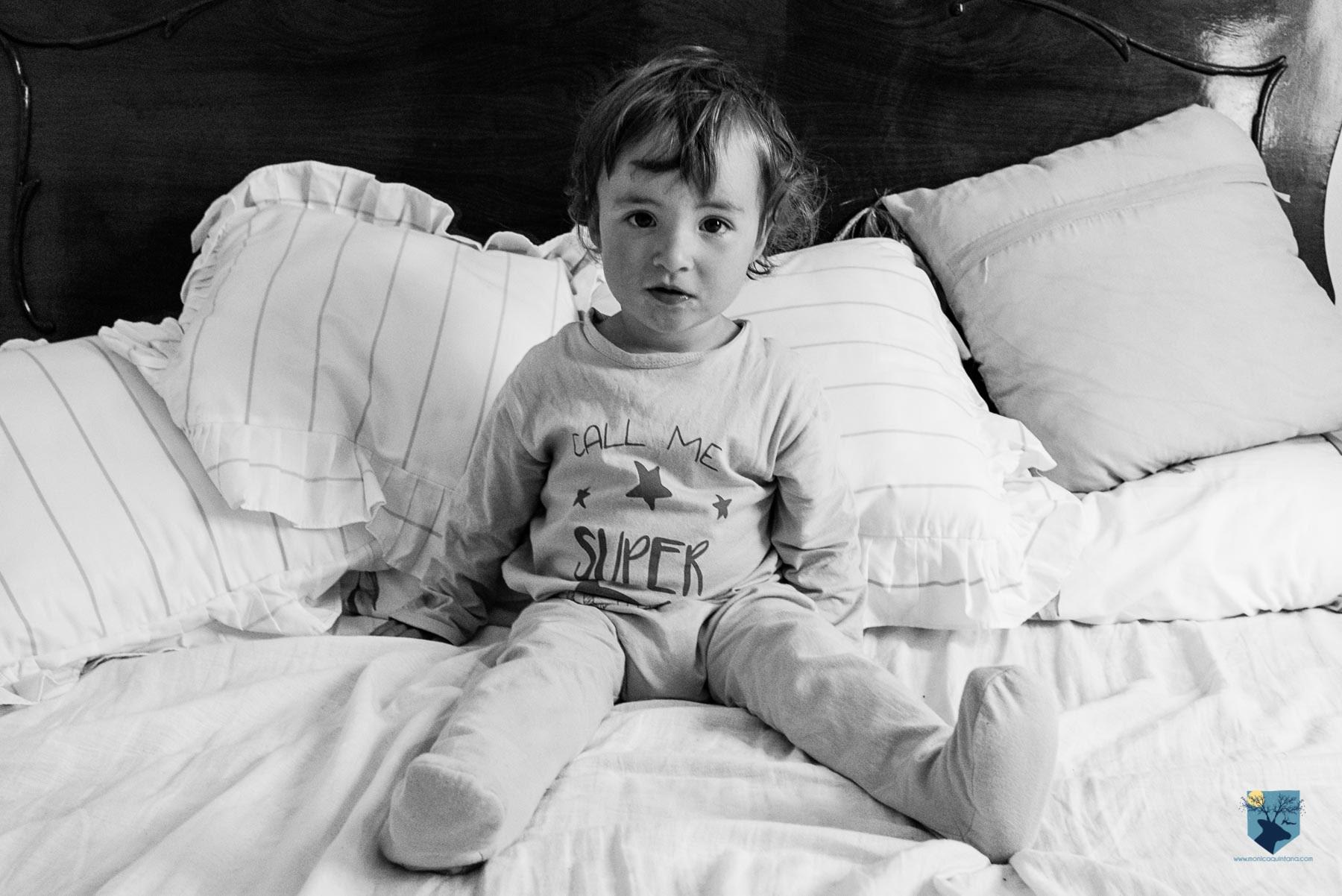 fotografia-fotos-girona-figueres-emporda-monica-quintana-niños-niñas-familia-retrato-verano-ideas-fotos familiares