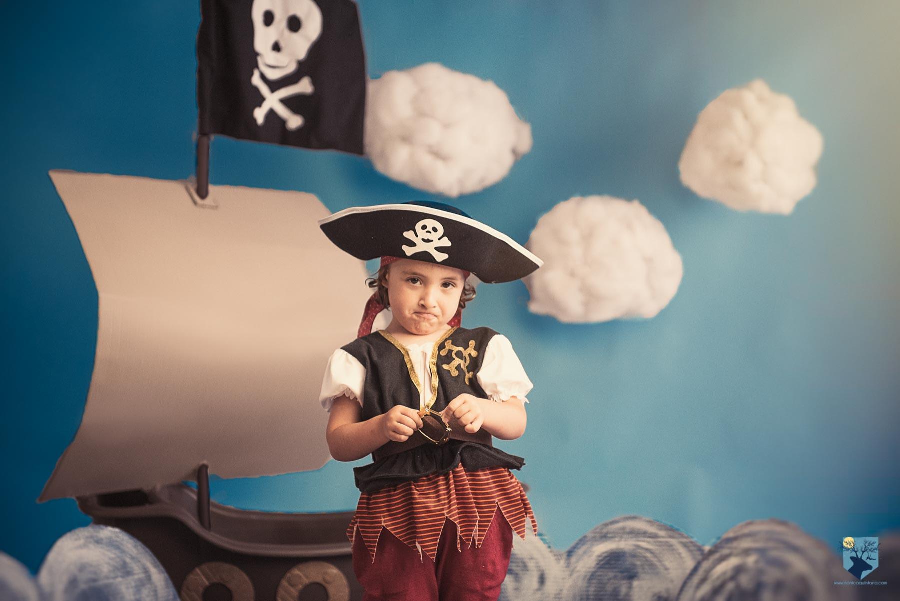 fotografia fotos girona figueres emporda monica quintana niños niñas familia retrato estudio minis verano piratas promocion