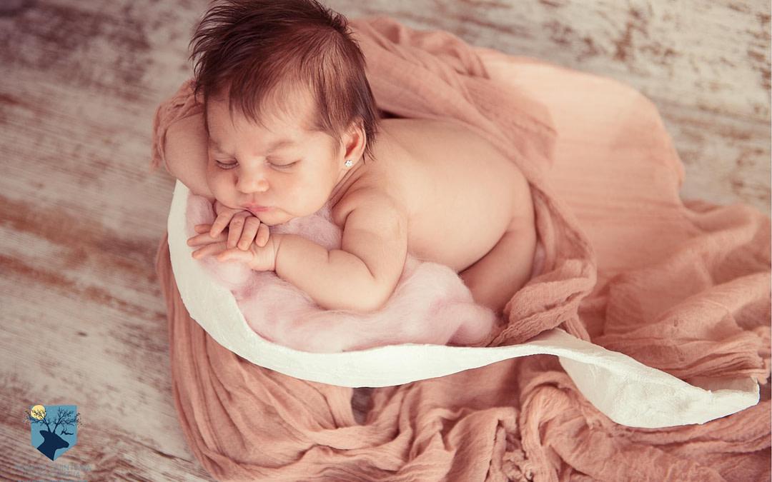 Nora, fotos de recién nacido en Figueres (Girona)