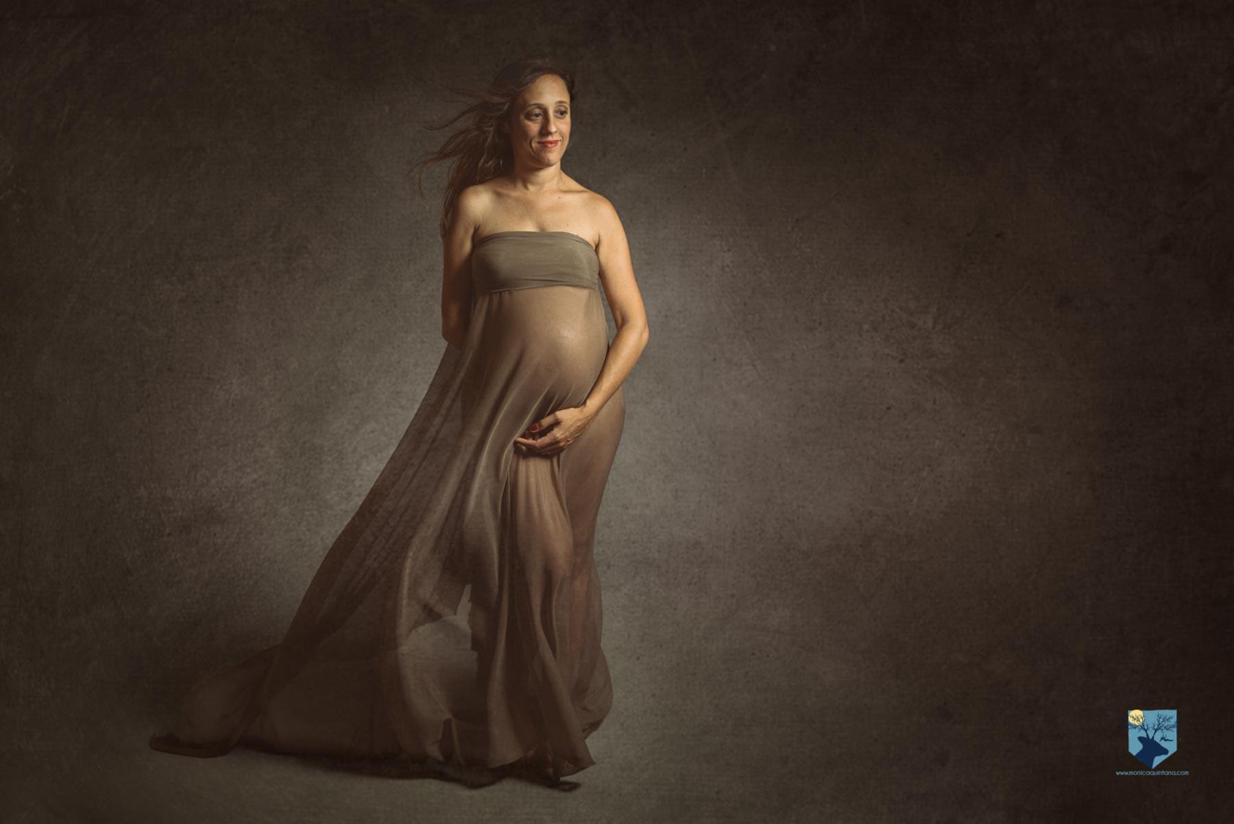 fotografia, girona, figueres, emporda, monica quintana, familia, retrato, embarazo, estudio