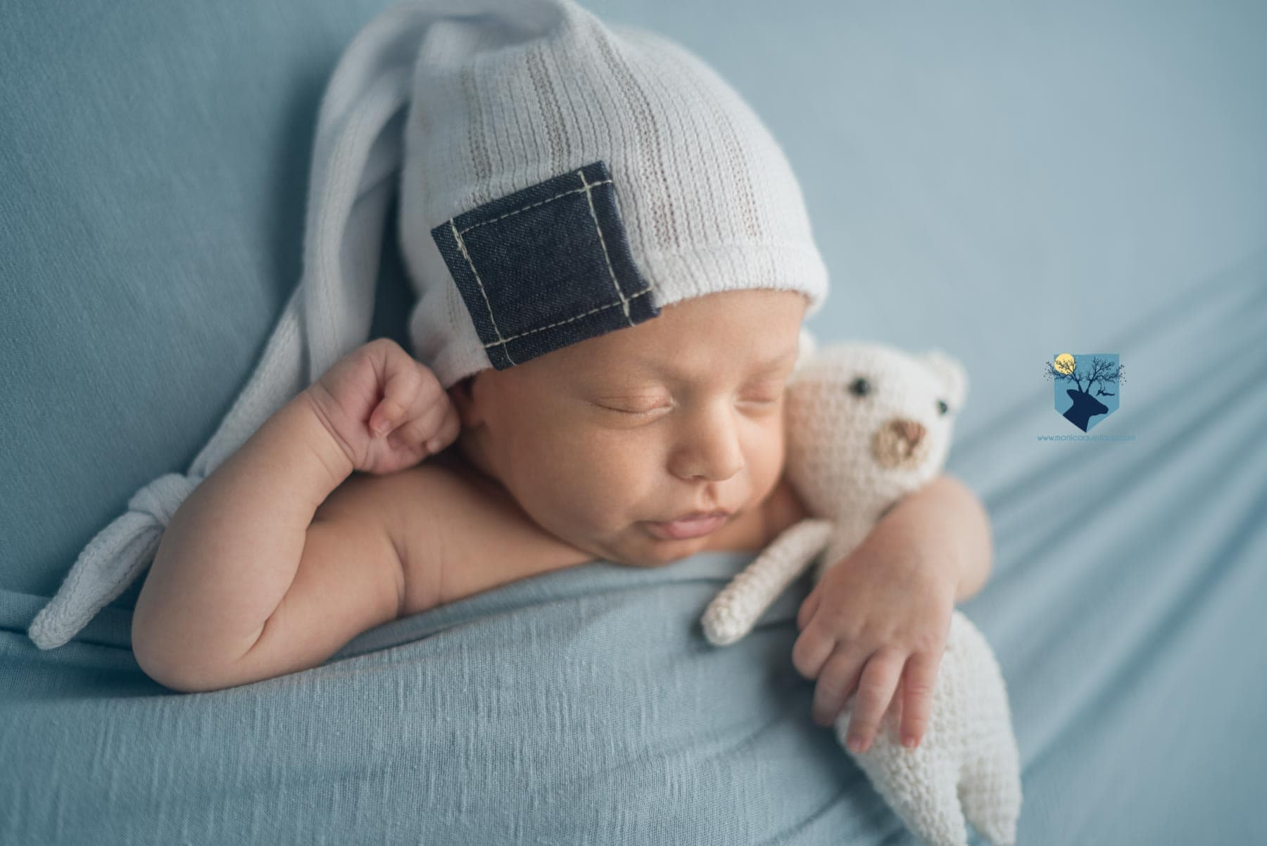 fotos de recién nacido en Girona, fotografia, fotos, girona, figueres, emporda, monica quintana, bebes, niños, recien nacido, ,newborn, familia, retrato