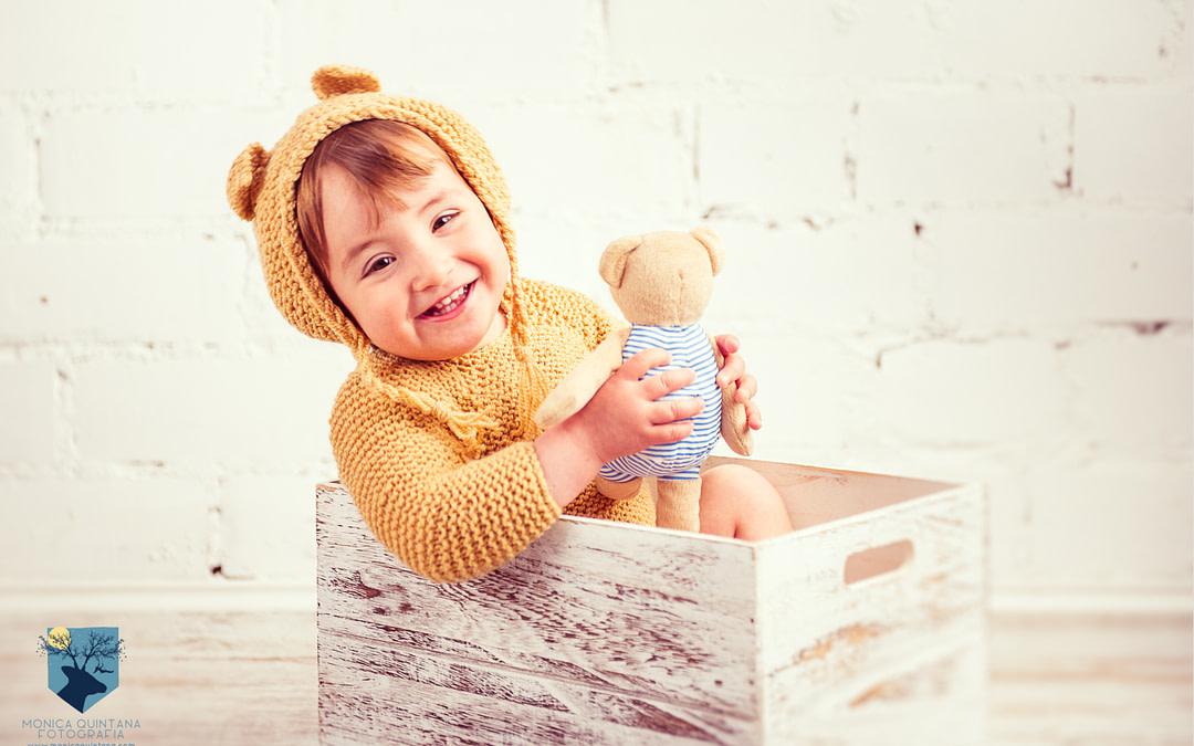 Jana, un bebé osito en el estudio